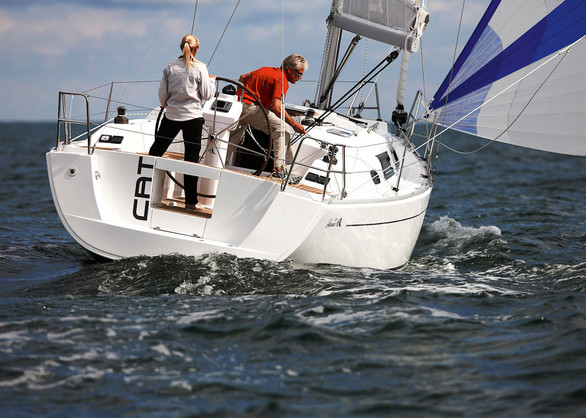 New Wave Yachts - New Boats - Hanse Yachts - Hanse 325 - The #1 Dealer of ...
